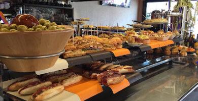 Cafe Bar ZUAZUA Plentzia